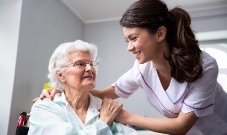 Operatore Socio Sanitario: un lavoro per molti, ma non per tutti